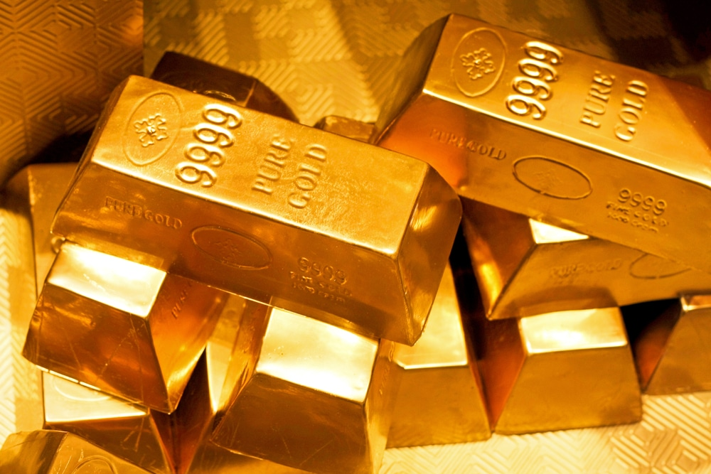 Gold Price Crawls Back But Lags Resilient Bitcoin Performance