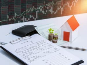 Higher Interest Rates Pull Mortgage Refinance Demand Down 43%