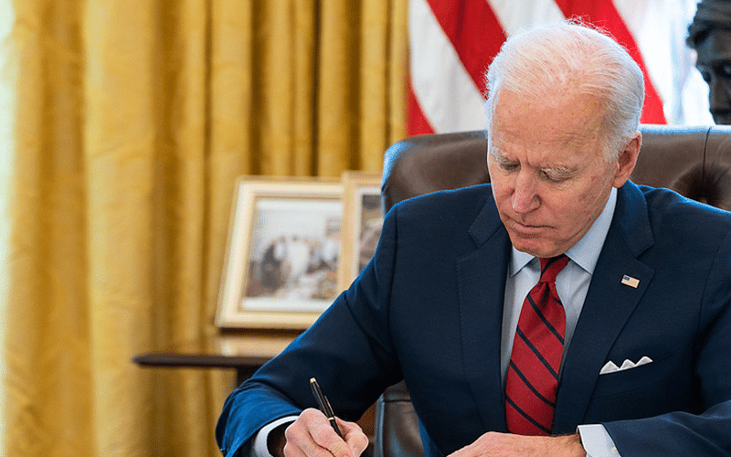 Biden Targets Amazon for Using 'Loopholes' to Avoid Paying Federal Taxes