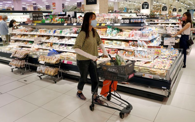 Japanese Household Confidence Jumps to a 8-Year High amid Price Pressures