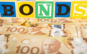 Invesco Analyst Hooper Raises Concerns over High Yields of Canadian Bonds