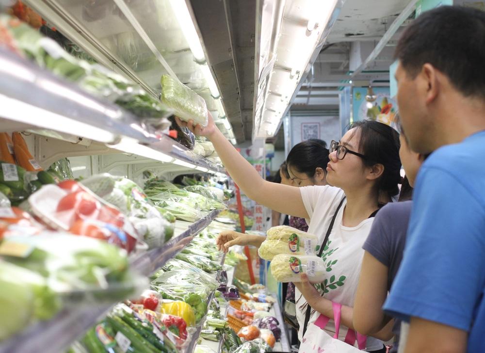 China's Retail Sales Surge at a Below Estimate Rate of 17.7%