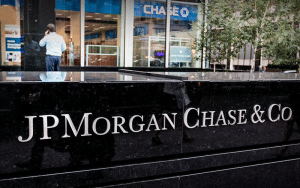 JPMorgan Among Banks to Extend Credit to People with No Credit Scores