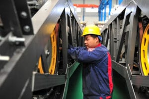China's Manufacturing PMI Slows to 50.9 as Supply Bottlenecks Persist